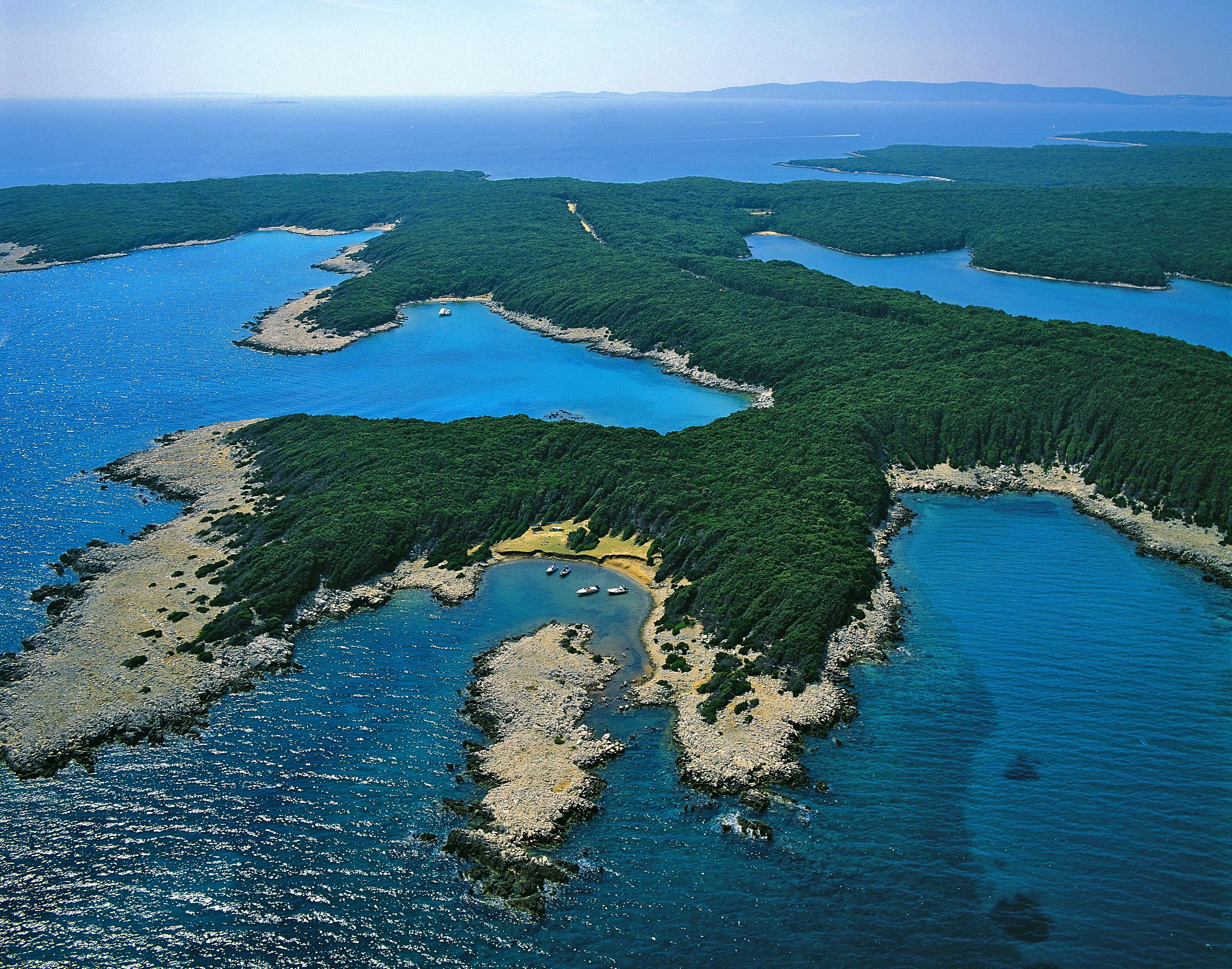 http://kongresguides.files.wordpress.com/2012/02/towns_and_islands-punta_kriza1.jpg