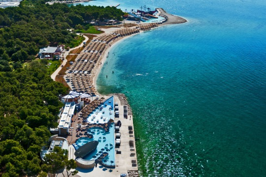1000-solaris-beach-resort-solaris-sand-beach