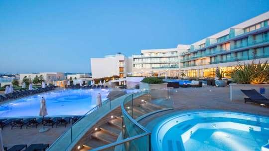 SetHeight800-Pool-Area-Kempinski-Hotel-Adriatic